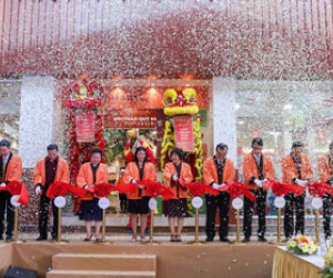 BRG Group (Vietnam) and Sumitomo Group (Japan) open first super market in Vietnam named FujiMart: The perfect blend between Vietnamese food culture and Japanese service culture